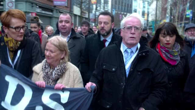 Bloody Sunday soldier faces murder charges NORTHERN IRELAND Londonderry campaigners and relatives of Bloody Sunday victims marching to the guildhall...