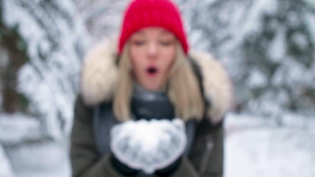 blowing snow/debica/poland - handschuh stock-videos und b-roll-filmmaterial