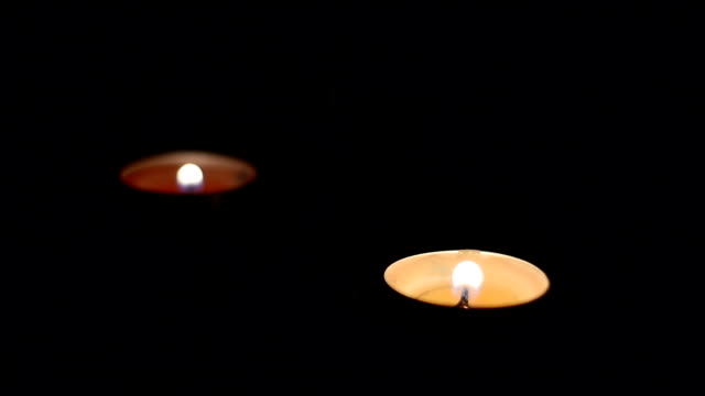 Soffiare le tre candela