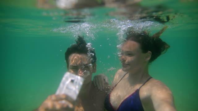 blaue abenteuer - unterwasseraufnahme stock-videos und b-roll-filmmaterial