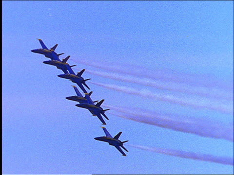 blue angels flying in formation - formationsfliegen stock-videos und b-roll-filmmaterial