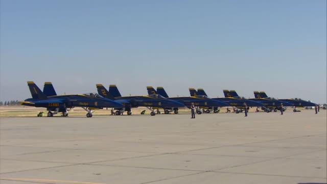 blue angels ground ceremony - marina militare americana video stock e b–roll