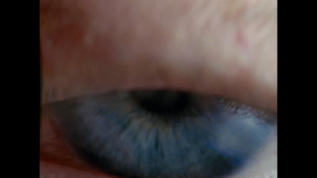 SLO MO, ECU, Blue eye