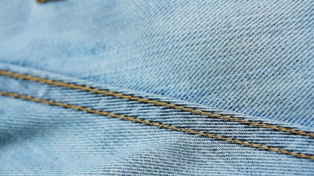vidéos et rushes de 4k texture jeans en gros plan - jeans texture