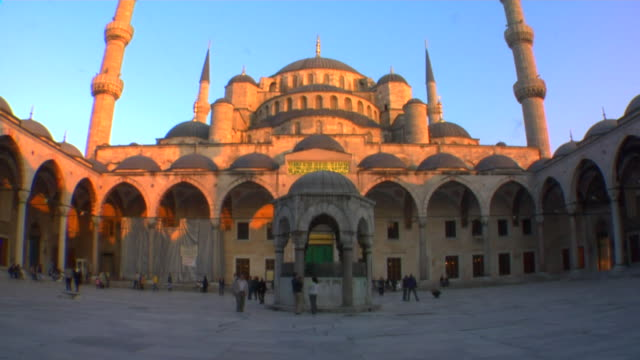 ms la tu blue mosque at sunset, istanbul, turkey - 17th century style stock videos & royalty-free footage