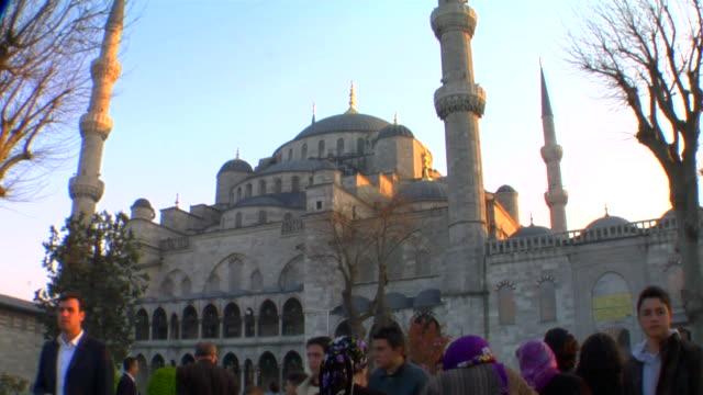 vídeos de stock, filmes e b-roll de ms blue mosque at sunset, istanbul, turkey - 17th century style