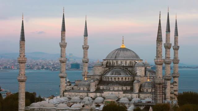 Blue Mosque in Istanbul - Sultan Ahmet Camii