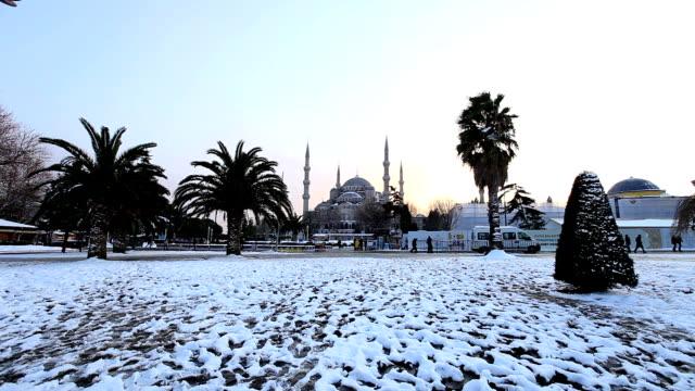 vídeos y material grabado en eventos de stock de mezquita azul - camisola