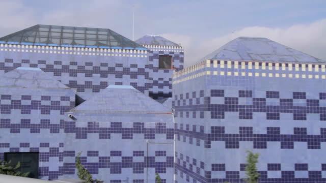 vídeos de stock e filmes b-roll de blue museum in mexico city - museu