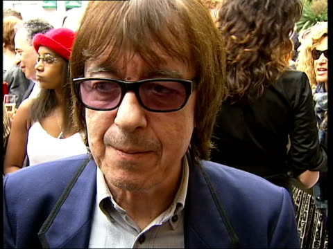 blue plaque for mickie most; england: london: ext bill wyman interviewed sot - met mickie in 1963 when he was on tour with us, we used to take the... - simply red点の映像素材/bロール