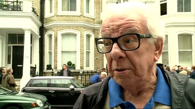 blue plaque in honour of kenny everett unveiled; barry cryer interview sot / rocos posing for photographs with fans and signing autographs / cleo... - barry cryer stock videos & royalty-free footage