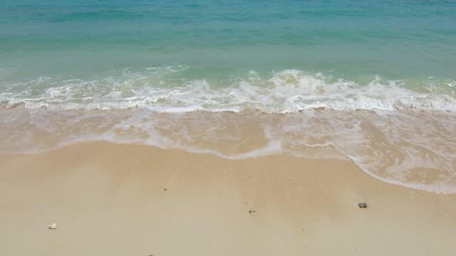 blauwe zee Golf op wit zand strand oppervlakte, Rok island, Krabi, Thailand