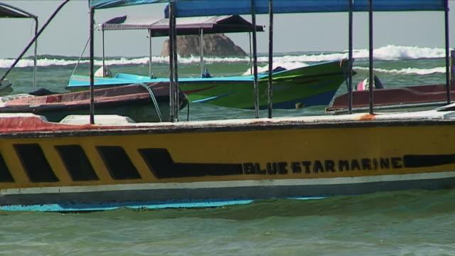 CU Blue Star Marine Boats / Hikkaduwa, Sri Lanka