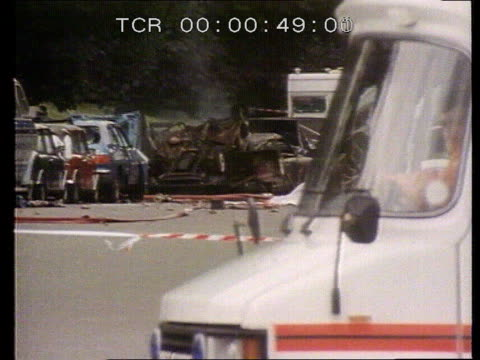 blues and royal band bomb hyde park lms smouldering wreckage from ira bomb attack on blues royals tx ms wreckage cars itn ms firemen and injured... - ロンドン ハイドパーク点の映像素材/bロール