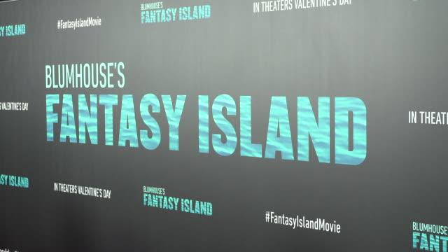 "stockvideo's en b-roll-footage met blumhouse's ""fantasy island"" premiere at amc century city 15 theater on february 10, 2020 in century city, california. - uitvoerende kunst voorstelling"