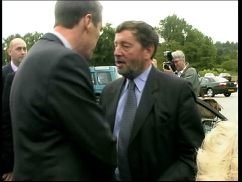 stockvideo's en b-roll-footage met blunkett calls for new sentencing guidelines itn david blunkett mp from car and greeted - sentencing