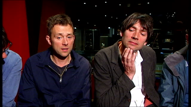Blur launch songs in a oneoff perfomance only on Twitter ENGLAND London INT Damon Albarn interview SOT Graham Coxon interview SOT