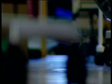 vidéos et rushes de blurred image of hospital corridor - rétablissement