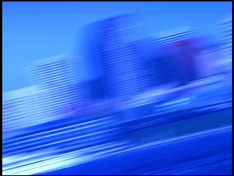 blurred motion cityscape in blue, seattle, washington - getönt stock-videos und b-roll-filmmaterial