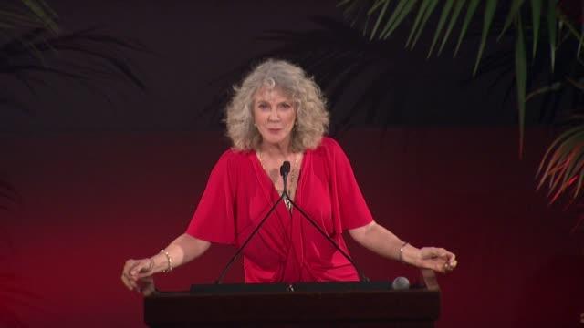 speech blythe danner at 25th annual environmental media awards in los angeles ca - environmental media awards stock videos & royalty-free footage