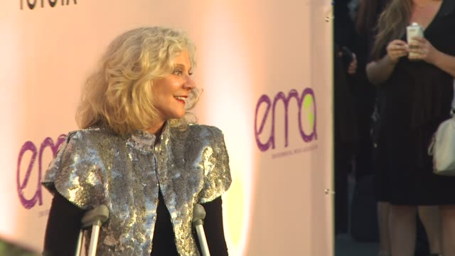 blythe danner at the 2009 environmental media awards at los angeles ca - environmental media awards stock videos & royalty-free footage