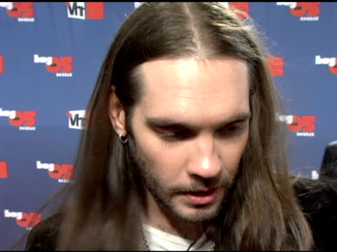 bo bice on working on his debut album at the vh1 big in '05 at sony studios in los angeles, california on december 3, 2005. - vh1ビッグインアワード点の映像素材/bロール