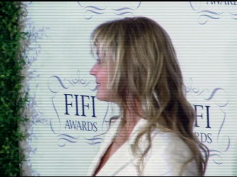 bo derek at the 34th annual fifi awards presented by the fragrance foundation at the hammerstein ballroom in new york, new york on april 3, 2006. - hammerstein ballroom bildbanksvideor och videomaterial från bakom kulisserna