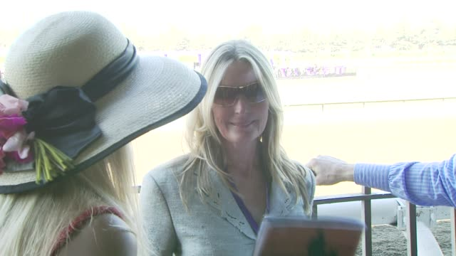 vídeos de stock, filmes e b-roll de bo derek at the breeders' cup world thoroughbred championships day two at los angeles ca - bo derek