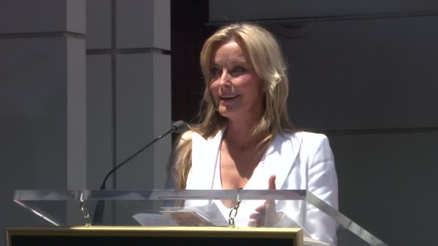 vídeos de stock e filmes b-roll de bo derek at the shania twain honored with star on the hollywood walk of fame at hollywood ca - bo derek