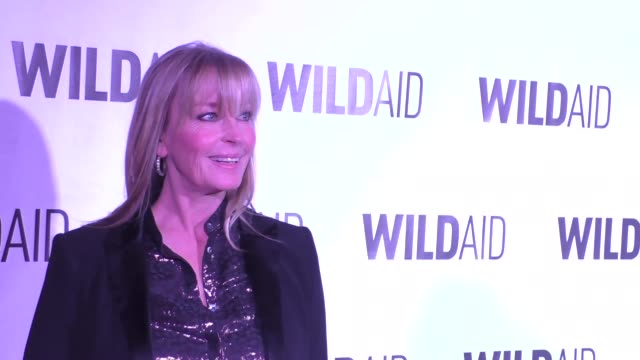 vídeos de stock, filmes e b-roll de bo derek at the wildaid 2015 gala at the montage hotel in beverly hills at celebrity sightings in los angeles on november 07 2015 in los angeles... - bo derek