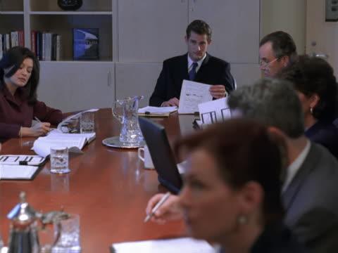 board or office meeting - artbeats 個影片檔及 b 捲影像