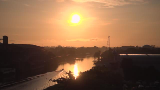 boot und sunrise - bangkok stock-videos und b-roll-filmmaterial