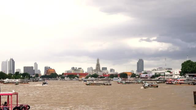 チャオプラヤー川ボートします。 - 長さ点の映像素材/bロール