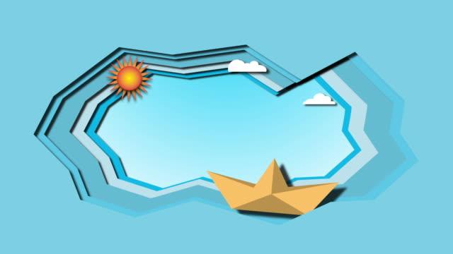 vidéos et rushes de le bateau navigue sur la mer avec des nuages et le soleil. le concept du pliage du papier, animation - origami