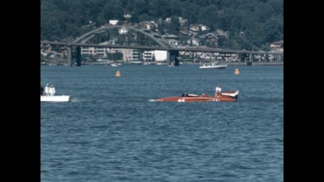 vídeos y material grabado en eventos de stock de a boat is towed out of lake washington at the seafair trophy race world championship hydroplane races - hidroplano