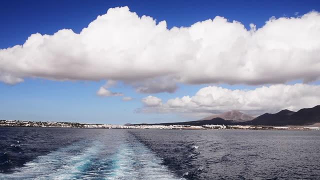 pov, boat near canary islands - atlantikinseln stock-videos und b-roll-filmmaterial