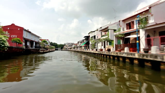 boat on the river in malaka (melacca) in malaysia - malacca stock videos and b-roll footage