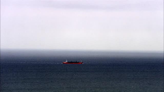 a boat on the sea sweden. - オーレスン地域点の映像素材/bロール