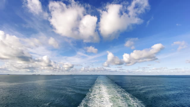 vídeos y material grabado en eventos de stock de boat wake mar del norte - ferry