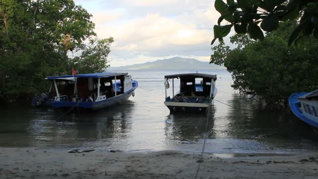 boats at anchor - ankrad bildbanksvideor och videomaterial från bakom kulisserna