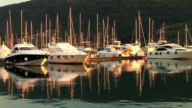stockvideo's en b-roll-footage met hd: boats in a marina - cres kroatië