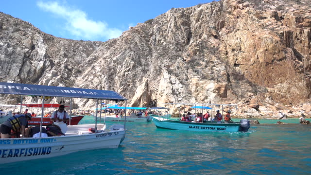 boats in cabo san lucas, mexico. - sea of cortez stock videos & royalty-free footage
