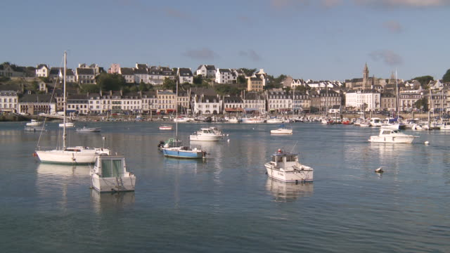 ws boats in port of audierne / audierne, brittany, france - finisterra bretagna video stock e b–roll