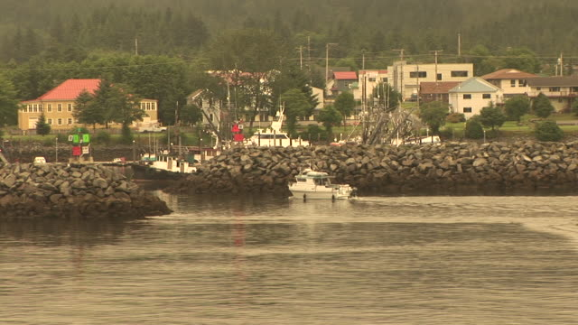 stockvideo's en b-roll-footage met ws, boats in sitka harbor, alaska, usa - sepiakleurig