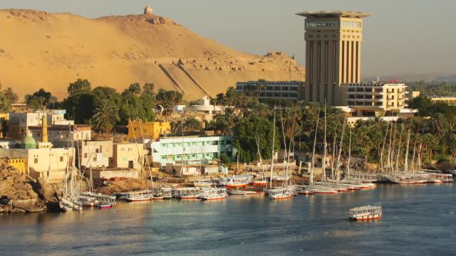 T/L, WS, Boats moored at river Nile bank, Aswan, Egypt
