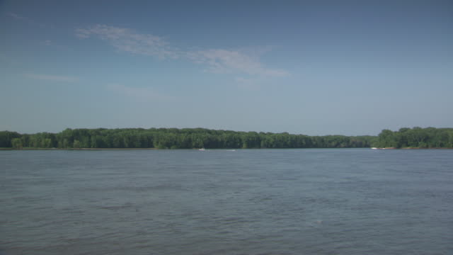 ws boats moving in hannibal mississippi river / hannibal, missouri, united states - mark twain stock videos & royalty-free footage