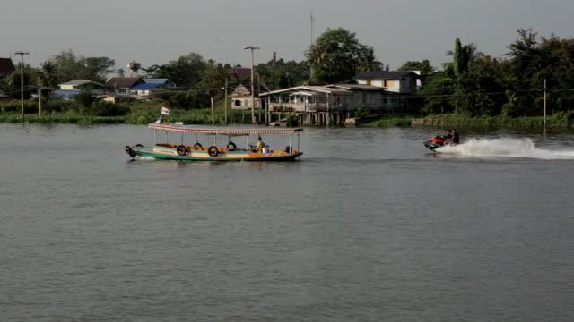 舟でチャオプラヤ川 - チャオプラヤ川点の映像素材/bロール