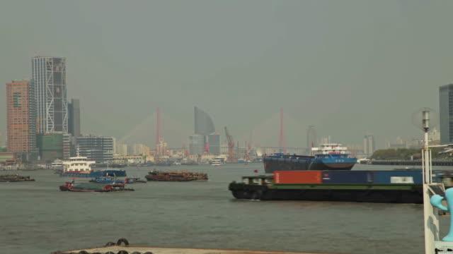Boats sailing on the Huangpu River - Timelapse - Shanghai, China