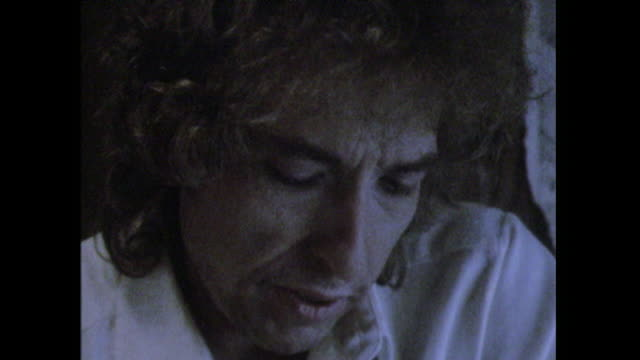 Bob Dylan saying 'I got enough love around me you knowI don't need no people's love'