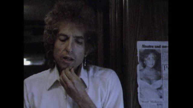 bob dylan talks about 'young groups..which i see ..that play the old style of music' - fame stock videos & royalty-free footage